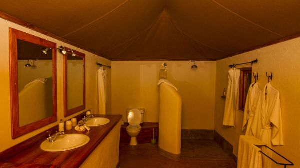 lewa-safari-camp-family-tent-bathroom14212FFD-D0F8-5A99-9630-5C4359F929FC.jpg