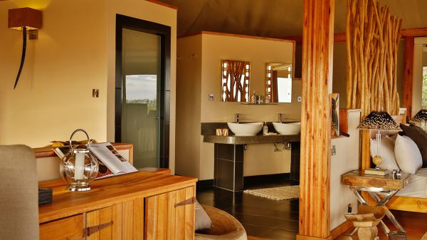 loisaba-tented-camp-spacious-tent-bathroom4387680A-C5FC-D8A8-5E1A-7E776812FEC5.jpg