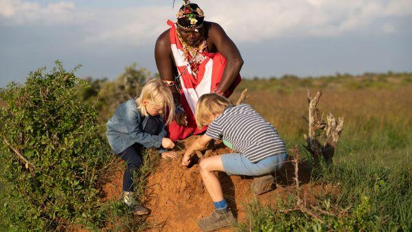 elewana-loisaba-lodo-springs-activities-guided-bush-walkEBE7BBFF-19F4-6A13-95A8-09990B2E3E21.jpg