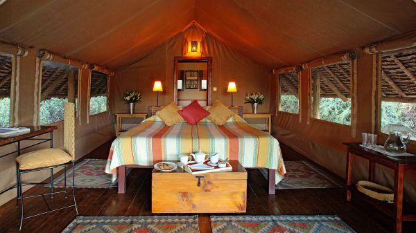 tortilis-camp-tent-doubleC099AA82-158F-80DB-4695-46781C9E6385.jpg