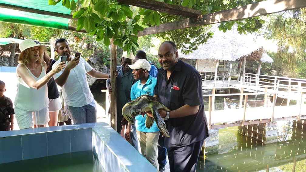 kilindi supports Turtle Release Day